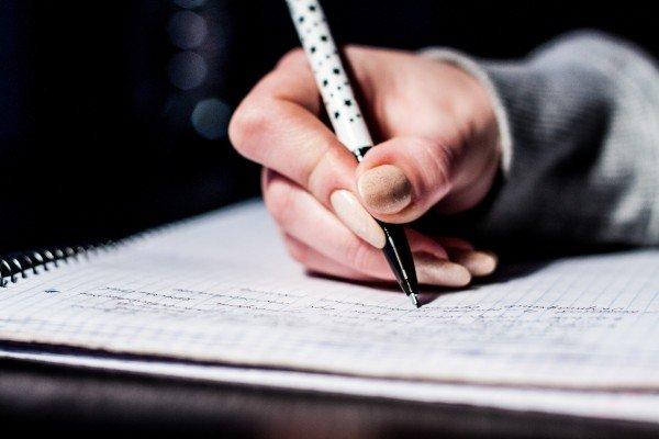 Private Tutoring: The Pros and Cons of Class Tuition